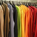 Melhores tipos de roupas para revender