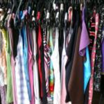 Como montar uma loja de roupas em um espaço pequeno
